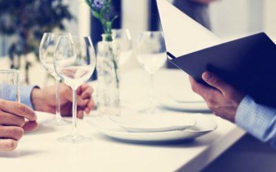 Cómo debe vestirse un hombre para una comida de empresa