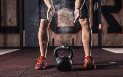 Qué son las pesas kettlebells y cómo utilizarlas