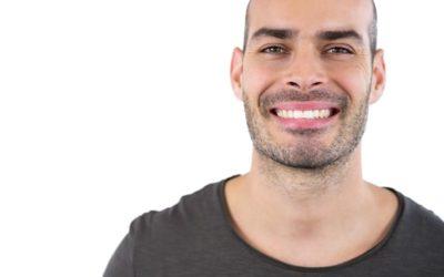 Cómo eliminar las manchas de los dientes